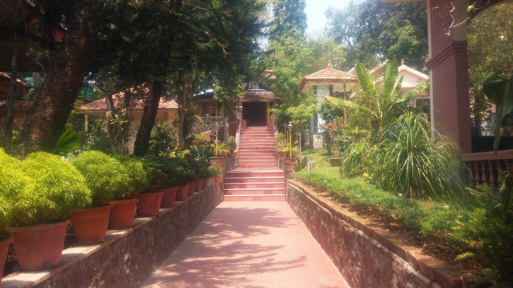 ashram-gelaende-neyyar-dam