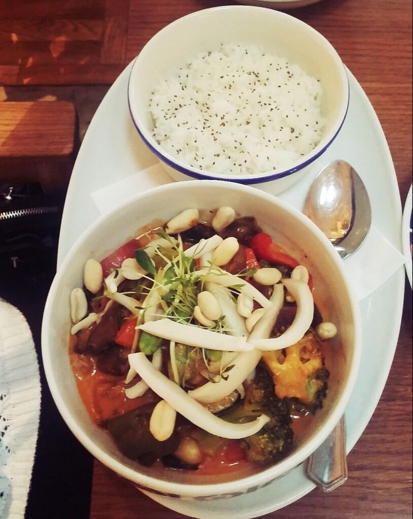 flax-and-kale-barcelona-curry