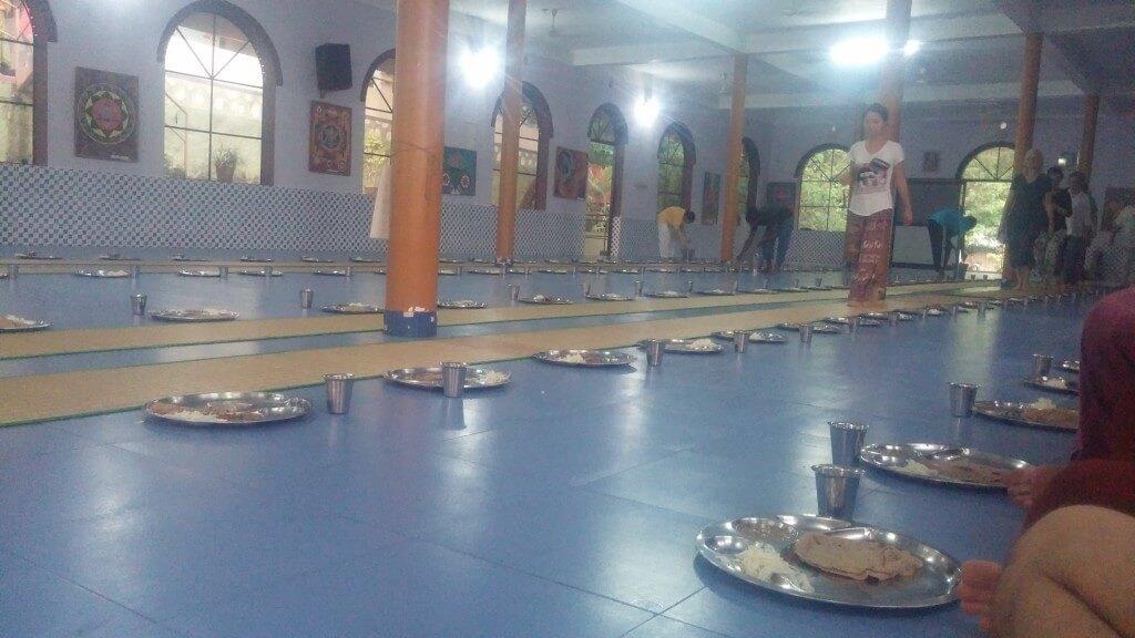 lunch-mittagessen-ashram