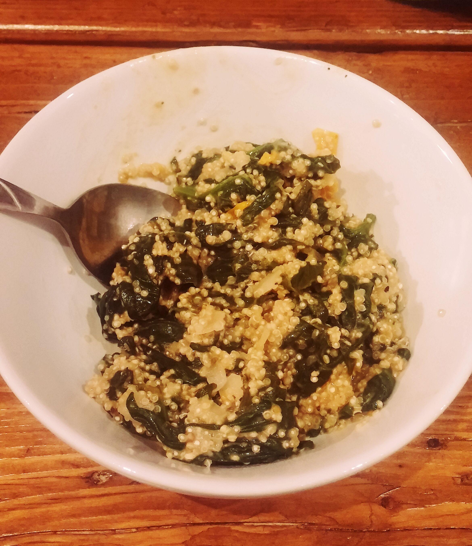 quinoa-risotto-spinat-tomaten-vegan