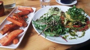 vegane-pizza-sweet-potato-wedges
