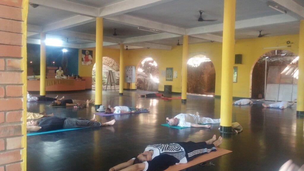 yoga-asanas-sivananda-kerala