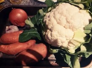 zutaten-suesskartoffel-blumenkohl-zwiebel-suppe